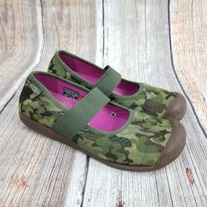 Keen Camo Mary Jane Shoes Size 8.5